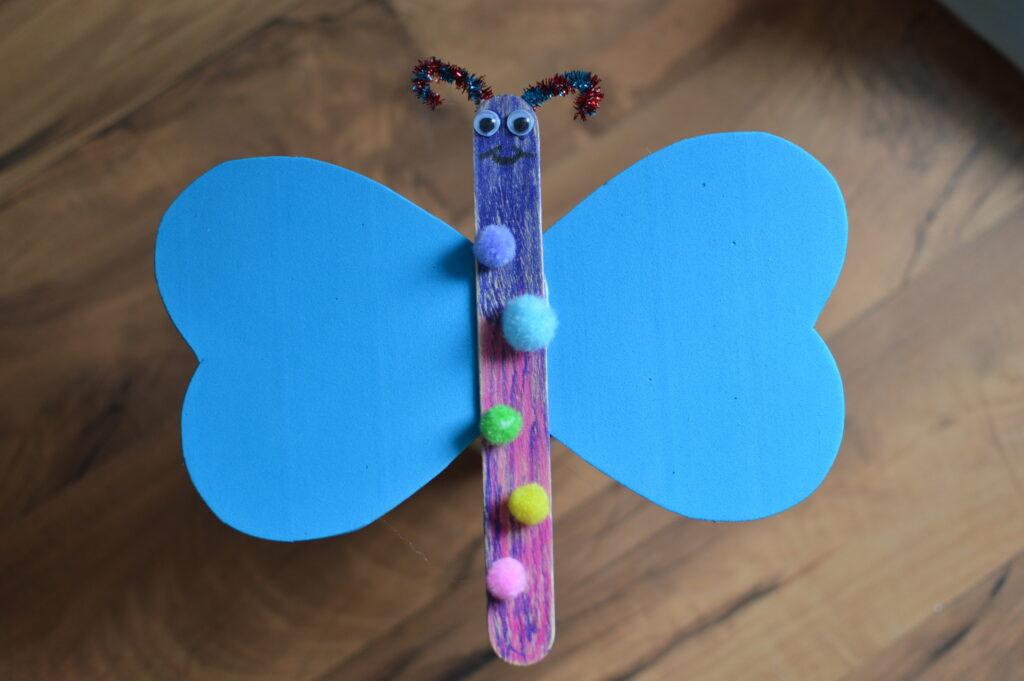 DIY. Motyle z patyczków do lodów